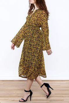 Flowymidi dress with long sleeves and split round neckline.   Parisian Garden Midi Dress by Pinkyotto. Clothing - Dresses - Casual Clothing - Dresses - Long Sleeve Clothing - Dresses - Floral Clothing - Dresses - Midi Manhattan, New York City Nolita, Manhattan, New York City Boston, Massachusetts