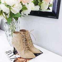 Daily choose 📸 #vices #shoes #boots #fall #newcollection #inlove #musthave #shoestagram #shoesaddict #shoeswag #hot #instalike #instafollow #instapic