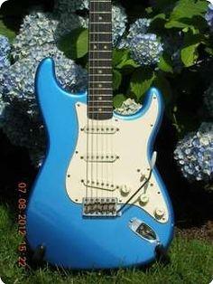 Fender / Stratocaster / 1963 / Lake Placid Blue