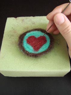 Samantha McNesby: Beginner's Guide to Needlefelting - Needlefelting Tutorial