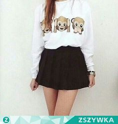 ▪White sweatshirt with emoticons▪