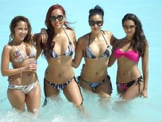 Empire Girls Adrienne Bailon and Julissa Bermudez join pals Paula Garces and Nikki Chu in Cancun for some fun. So many great prints!