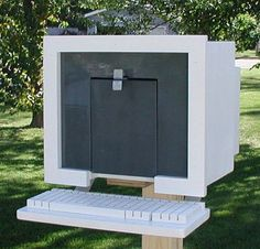 You've Got Mail: 10 Weird and Wonderful Mailbox Ideas. I would love to be anywhere near as creative making cache containers!
