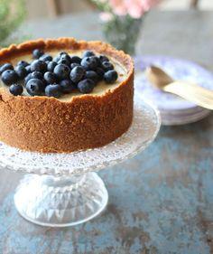 Bagt cheesecake med blåbær og blåbærsirup (via Bloglovin.com )