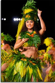 The Tahitian Mime language Polynesian Dance, Polynesian Culture, Tahitian Costumes, Tahitian Dance, Native American Teepee, Hawaiian Woman, Hawaiian Dancers, Hula Dancers, Hula Girl