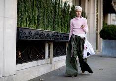 Как адаптировать главные тенденции весны на примере лучшего стритстайла с недель моды
