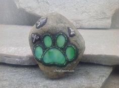 Artículos similares a La pata verde mosaico pisapapeles / jardín de piedra en Etsy