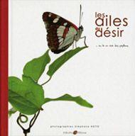 Ce livre est trés beau, une façon trés particulière de saisir les rapports entre les plantes et les insectes