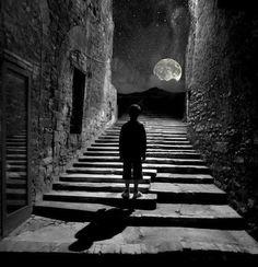 Shadow of the Moon Black White Photos, Black And White Photography, Foto Picture, Arte Van Gogh, Robert Frank, Kahlil Gibran, Beautiful Moon, Friedrich Nietzsche, Nietzsche Frases