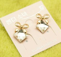 Bow diamond crystal earring   Ready stock and free normal mail in Singapore  www.cuteclozette.com