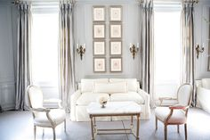 The September 2012 issue of Traditional Home Magazine features a house by the interior designer, Gail Plechaty of Real Simple Design. Home Living Room, Living Spaces, Design Salon, Interior Decorating, Interior Design, Decorating Ideas, Interior Inspiration, Inspiration Wall, Beautiful Interiors