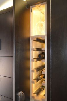 Wine closet in the EarthRoamer XV-LTS (Photo: C.C. Weiss/Gizmag)
