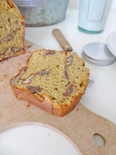 Gâteau à la farine de pois chiche, pommes et noix de pécan ( Sans gluten, allégé en MG )