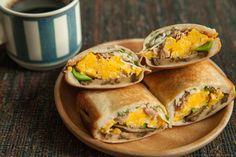 ありあわせ野菜とふんわりツナたまサンド - put anything you like! tuna and scrambled egg sandwich