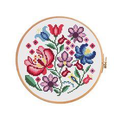 Round polish flower wycinanki - cross stitch pattern. Floss:DMC Canvas: Aida 14 White. Design Area: 85x85 stitches or 6,1 x 6,1 inch or 15,4 x 15,4 sm. Canvas: Aida 16 White. Design Area: 85x85 stitches or 5,3 x 5,3 inch or 13,5 x 13,5 sm. Canvas: Aida 18 White. Design Area: 85x85