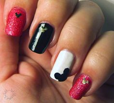 Mickie Mouse nail art