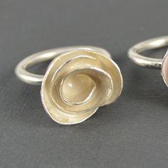 Big white rose ring