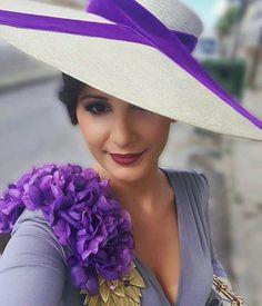 Vestido Dallas de Bruna. Pamela de Nana Golmar. Maxi broche de @quesenotecollections