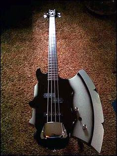 GENE SIMMONS Signature Series AXE Bass ∞ Weapon Of Choice For The God Of Thunder