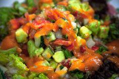 Voici donc la recette d'un tartare de légumes ultra simple et délicieux ! Love http://echovivant.com/tartare-de-legumes-a-la-sauce-mangue/