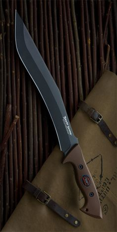 Outdoor Edge BD-10C Brush Demon Survival Fixed Blade Knife by Outdoor Edge