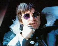 NOEL GALLAGHER OF OASIS INTERVIEWED (1998): Just being here, now