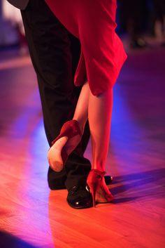 Shall We Dance, Just Dance, Dance Art, Dance Music, Tango Dancers, Classy Couple, Argentine Tango, Salsa Dancing, Ballet