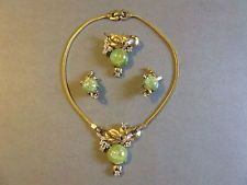 VINTAGE MAZER BROS SIGNED RHINESTONE GREEN GOLD  STONE NECKLACE PIN EARRING SET