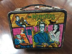 Condition is Used. It's in good condition no thermos Retro Lunch Boxes, Lunch Boxes For Men, Lunch Box Thermos, Tin Lunch Boxes, Metal Lunch Box, Munsters Tv Show, The Munsters, Sweet Memories, Childhood Memories
