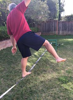 how to set up build setup a slackline with no trees without poles in the ground just lawn quitting sitting slack line in action falling off