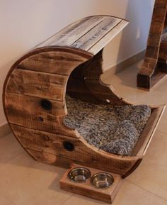 Make this pallet moon pet bed for your cat / dog .-Machen Sie diese Palette Moon Pet Bett für Ihre Katze / Hund Tierpalette Häuse… Make this Pallet Moon Pet Bed for your Cat / Dog Animal Pallet Houses & Pallet Sup … - Pallet Dog Beds, Diy Pallet, Pallet Projects, Pallet Crafts, Pallet Pool, Crate Crafts, Spool Crafts, Pallet Benches, Pallet Tables