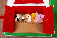 Animal finger puppets in a barn busy book / quiet book page Diy Quiet Books, Baby Quiet Book, Felt Quiet Books, Quiet Book Templates, Quiet Book Patterns, Baby Book Pages, Busy Book, Book Activities, Activity Books