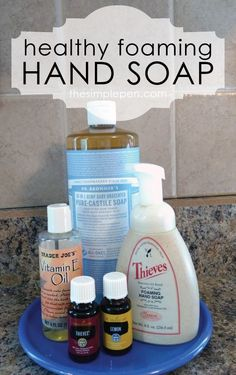 Easy DIY Homemade Hand soap with essential oils. Make this foaming hand soap in a bottle and customize with your favorite essential oils. Essential Oils Soap, Essential Oil Uses, Plant Therapy Essential Oils, Thieves Essential Oil, Young Living Oils, Young Living Essential Oils, Neutrogena, Homemade Hand Soap, Diy Foam Hand Soap