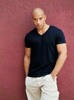 Google Image Result for http://mamakittyreviews.com/wp-content/uploads/2010/07/vin-diesel-20060923-163301.jpg