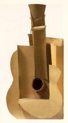 """12.- """"Guitarra / Guitar"""" (1912). PABLO PICASSO. Considerado uno de los mayores artistas del siglo XX, participó desde la GÉNESIS en muchos MOVIMIENTOS ARTÍSTICOS que se propagaron por el mundo y ejercieron una gran influencia en otros grandes artistas de su tiempo."""