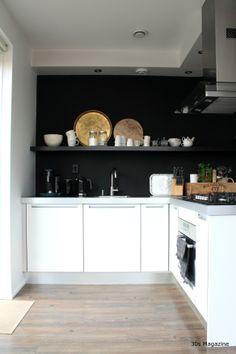 Art Deco Home, Grey Cabinets, Kitchen Cabinetry, Black Walls, Black Kitchens, Kitchen Interior, Matte Black, Sweet Home, Interior Design