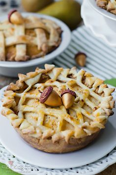 Sweet Spiced Pear Mini Pies from Bakingdom