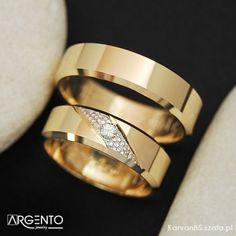 Nasze obrączki ślubne  #fajnaobraczka #zloteobraczkiobraczki Wedding Rings Rose Gold, Wedding Band Sets, Jewelry Model, Couple Rings, Color Ring, Engagement Ring Styles, Anniversary Rings, Ring Designs, Fashion Rings
