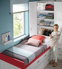 This special luxury bedroom furniture is definitely an inspiring and wonderful … - bedroom furniture layout Small Room Design Bedroom, Small Bedroom Designs, Box Room Bedroom Ideas For Kids, Kids Bedroom, Bedroom Decor, Small Apartment Bedrooms, Tiny Bedrooms, Narrow Living Room, Luxury Bedroom Furniture