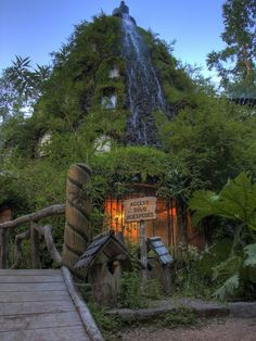 I must see this place! And possibly copy it for my home haha Magic Mountain Lodge Hotel, Chile, South America - 13