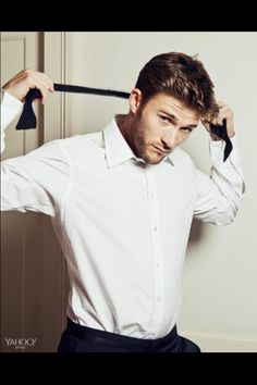 Ahead of his Nicholas Sparks movie adaptation, The Longest Ride, which hits theaters in April, actor Scott Eastwood catches up with Yahoo! Style for a new shoot. Clint And Scott Eastwood, Clint Eastwoods Son, Nicholas Sparks Movies, The Longest Ride, The Fashionisto, Raining Men, Fashion Moda, Men's Fashion, Moda Masculina