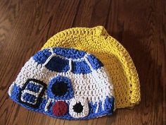 Here's a free pattern for Star Wars droids beanies! I like the R2D2 one  better than C3PO.