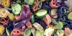 #Receta: Pasta tibia con pepino, cebolla y hierbas – Animal Gourmet