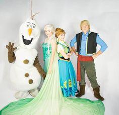 Santa Cruz Shopping apresenta o musical 'Show congelante' na chegada do Papai Noel   Jornalwebdigital