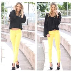 """GAP 1969 jeans Get ready for spring in these super cute yellow legging jeans. Super comfy stretch fabric in a cotton/poly/spandex blend. Measures about 14"""" across wait and 27"""" inseam. EC  GAP Jeans Ankle & Cropped"""