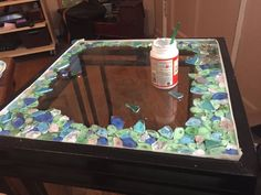 Sea Glass Resin Tabletop: 3 Steps (with Pictures)You can find Sea glass and more on our website.Sea Glass Resin Tabletop: 3 Steps (with Pictures) Sea Glass Decor, Sea Glass Crafts, Sea Glass Art, Stained Glass Art, Sea Glass Jewelry, Seashell Crafts, Sea Glass Beach, Glass Earrings, Diy Bonitos