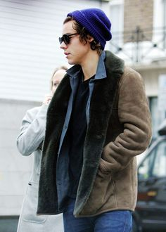 Harry Styles Harry Styles Images, Harry Styles 2013, Harry Styles Baby, Harry Edward Styles, Harry Styles Beanie, Niall And Harry, Celebrity Look, Fashion Pictures, Winter Hats