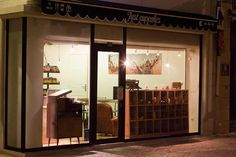 ... cupcake store #1 ...