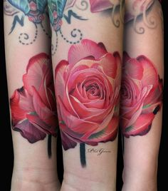 realism rose tattoo artist Phil garcia | тату мастер Фил Гарсия реализм татуировки розы  #inkpplcom #inkedpeople #realism #realistictattoo #tattoo #tattooartists #colortattoo #brighttattoo #rose #tattoos