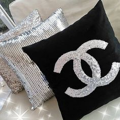 Pillow Silver Sequin & Black Velvet, Designer Decorative Cushion Cover Glitter, Throw Pillow Cover Home Decor Best Gift For Her - All About Decoration Glam Pillows, Silver Pillows, Monogram Pillows, Diy Pillows, Decorative Cushions, Decorative Pillow Covers, Chanel Dekor, Chanel Bedroom, Chanel Bedding